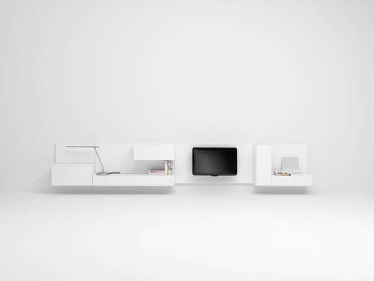 VISION V380: minimalistische Woonkamer door Pastoe