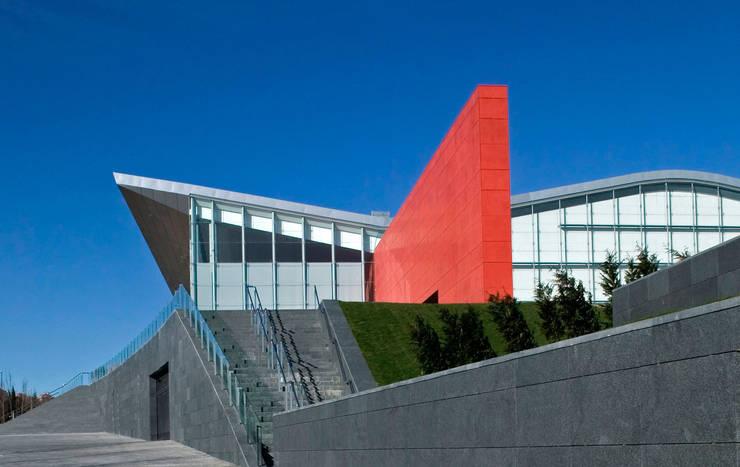 Miguel Delibes Cultural Center:  de estilo  de Ricardo Bofill Taller de Arquitectura