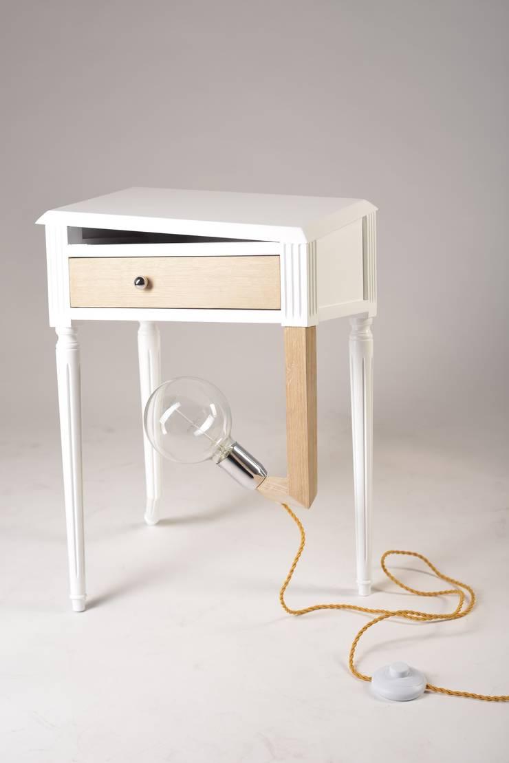 Lampe/table d'appoint <q>Lisbonne</q>:  de style  par Koska