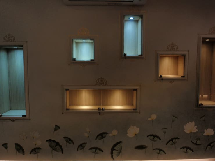 jewellery showroom:  Artwork by mahak impressions