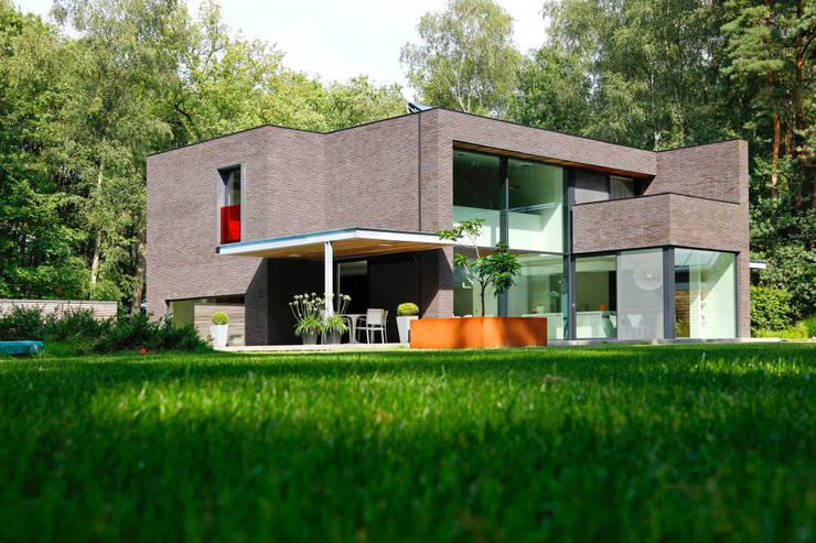Erneuerungsbau in Schoten, Belgien:   von Schüco International KG