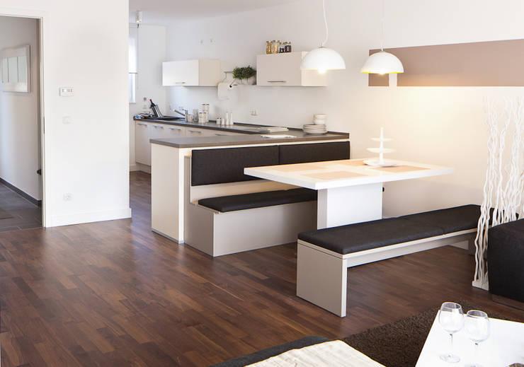 Dining room by deinSchrank.de GmbH
