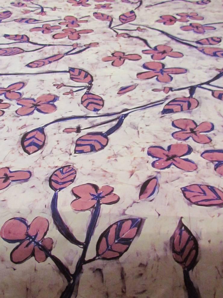 bloom textile pattern:  Hotels von ATELIER IRENE SEMELKA,Klassisch