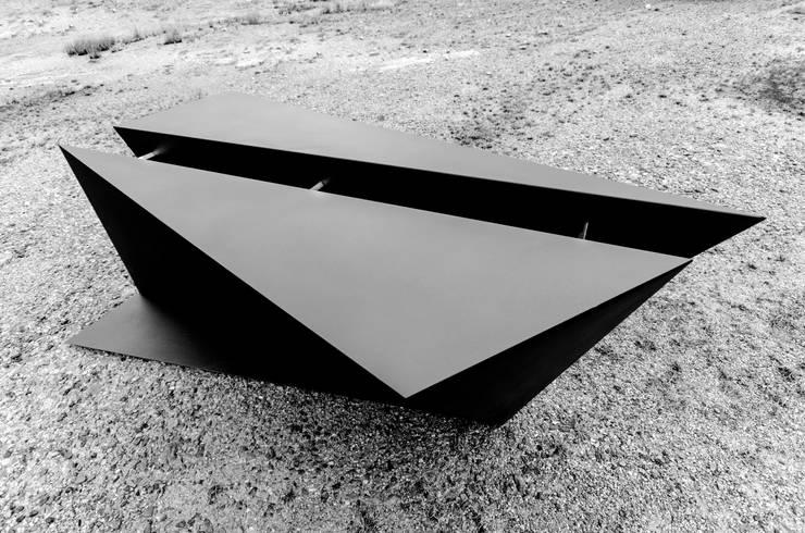 6C TABLE [STGO Luxury Furniture Limited Edition]: Estudio de estilo  de STGO