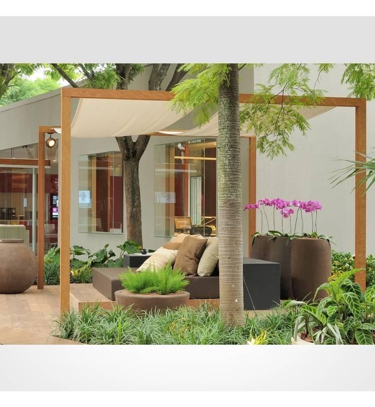 Minimalistischer Balkon, Veranda & Terrasse von Marcelo Bellotto Paisagismo Conceitual Minimalistisch