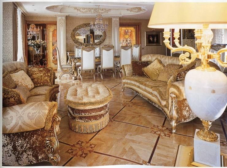 Hermitage Collection, curved sofas with pouf:  in stile  di Lunardelli Egidio srl, Classico