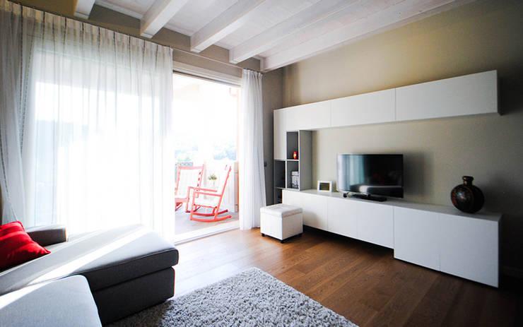 Interior Design SB: Case in stile  di MCArc Laboratorio di architettura sostenibile,