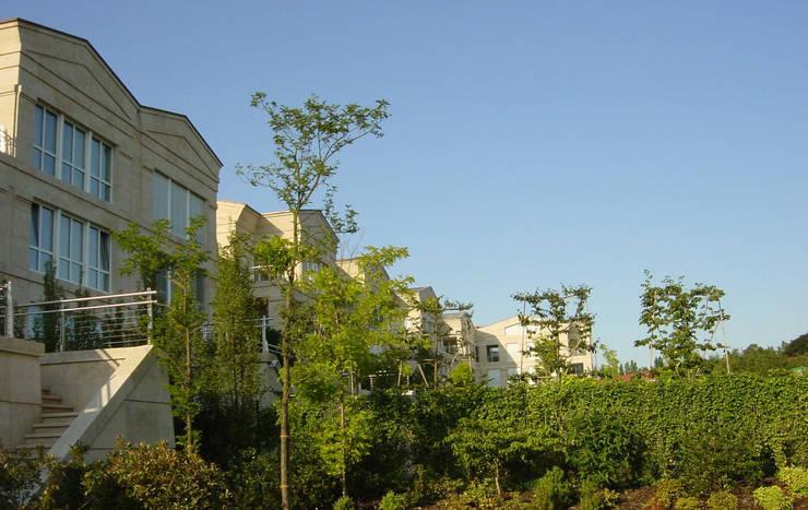 Weidert Residential Complex:  de estilo  de Ricardo Bofill Taller de Arquitectura