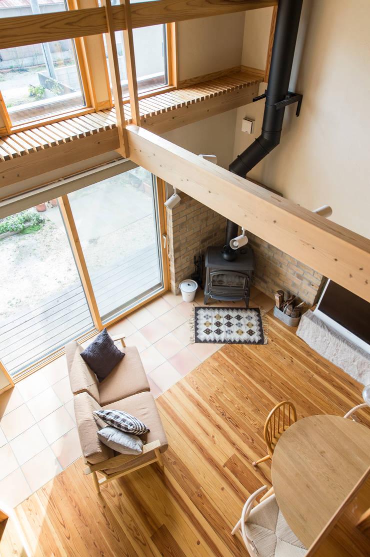 田村の家: Sola sekkei koubouが手掛けたリビングです。