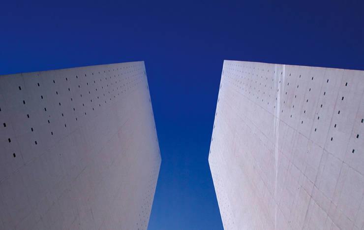 Casablanca Twin Center:  de estilo  de Ricardo Bofill Taller de Arquitectura