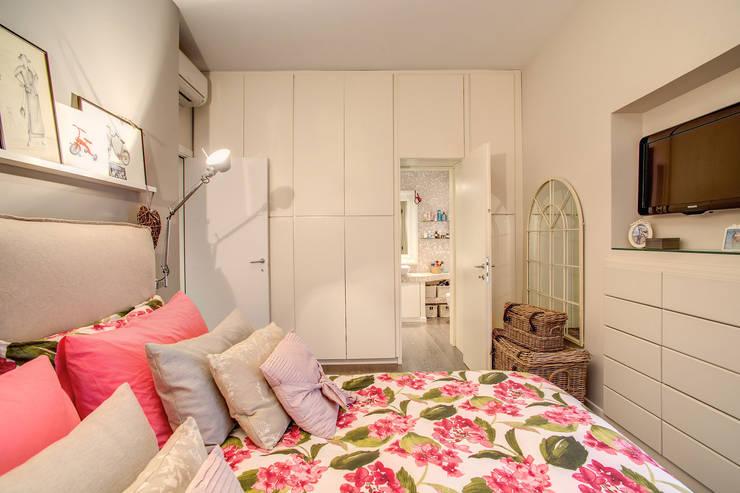 غرفة نوم تنفيذ MOB ARCHITECTS