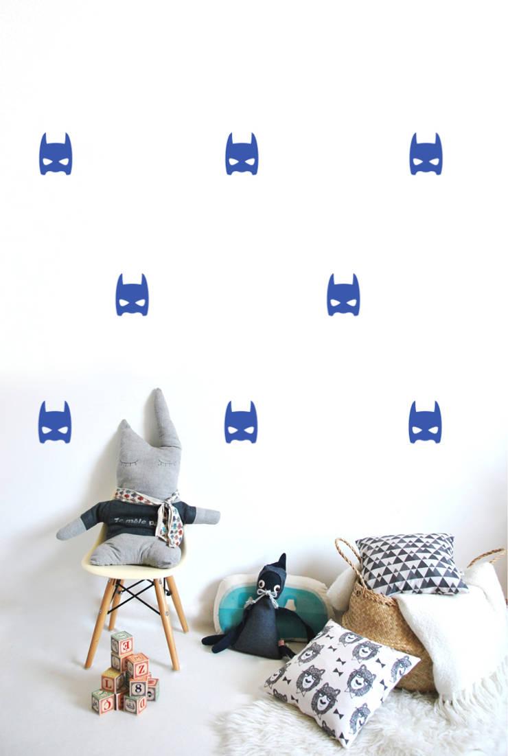 Stickers muraux masques héros bleu électrique: Chambre d'enfants de style  par pöm