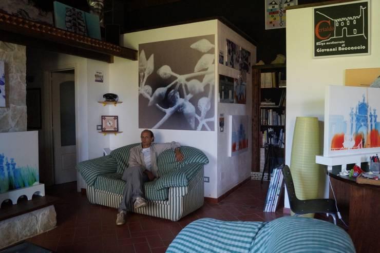 Atelier: Studio in stile  di Gianluca Vetrugno Architetto,