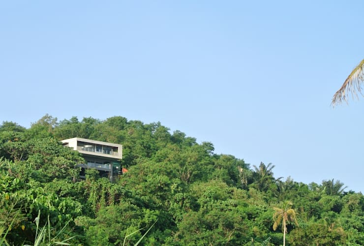 MV house:  Houses by 8 x 8 Design Studio