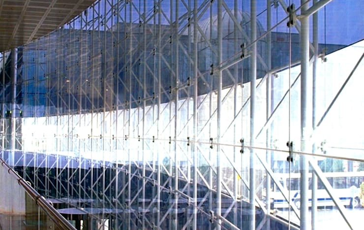 Terminal II at Barcelona Airport:  de estilo  de Ricardo Bofill Taller de Arquitectura