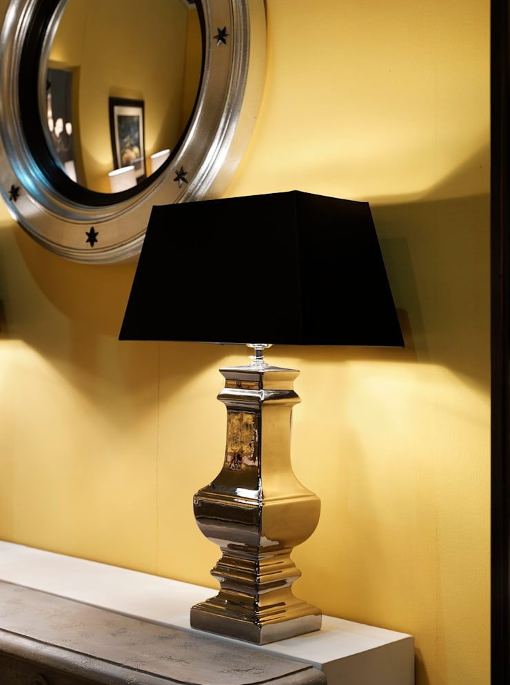 LAMPADA MARIONI: Allestimenti fieristici in stile  di Marioni srl,