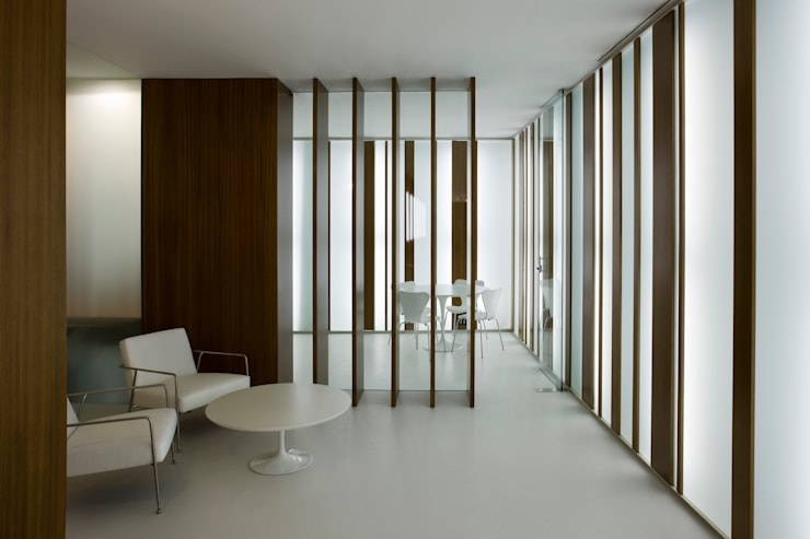 interiorismo: Comedores de estilo  de Arquitectura e Interiorismo en Cadiz