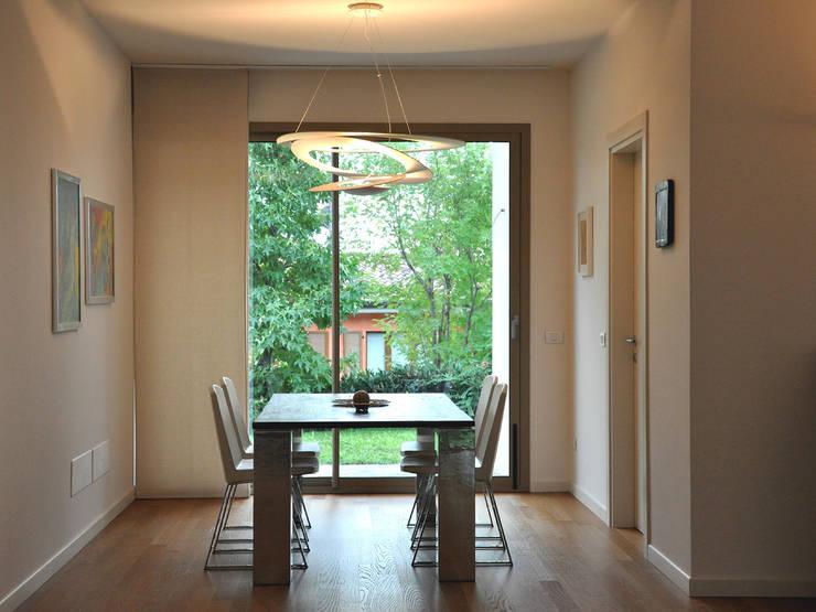 Villa I – Casa unifamiliare, Monticelli Brusati, 2011: Case in stile  di Studioartec