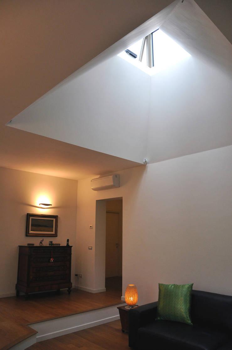 Villa I - Casa unifamiliare, Monticelli Brusati, 2011: Case in stile  di Studioartec