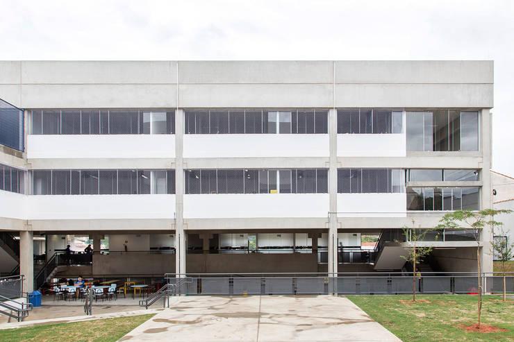 Escola Villa Lobos: Escolas  por obra arquitetos ltda