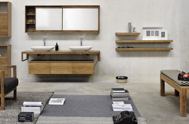 Why every bathroom has to be white!?:  Badezimmer von Discoveries Trends,