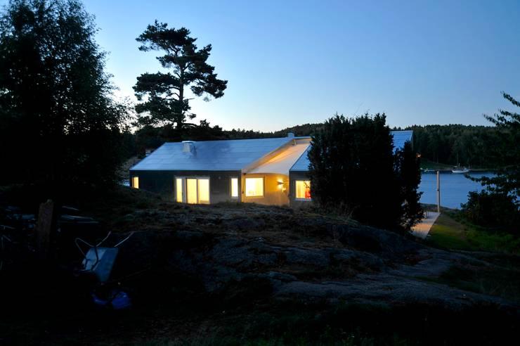 Aluminum Cabin:  Houses by Jarmund/Vigsnæs AS Arkitekter MNAL
