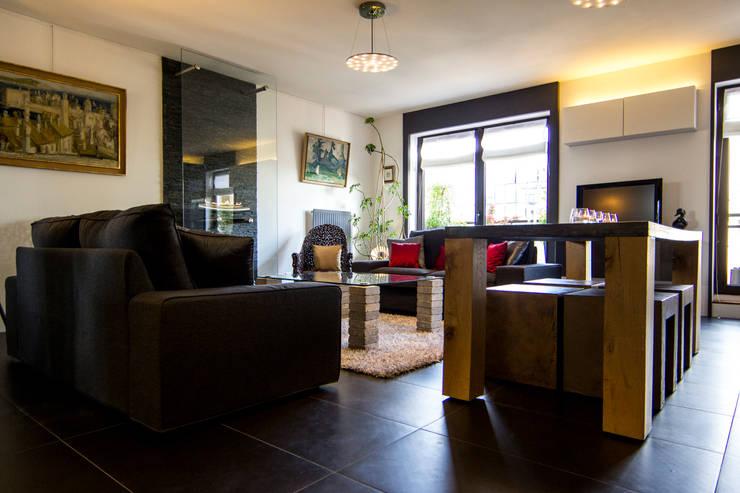 Salon: Salle à manger de style  par Anne Martins Design