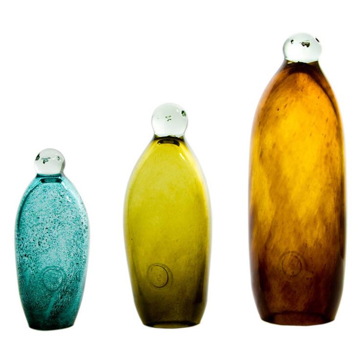 Best regards from Antarctica!  Your Penguins: styl , w kategorii Salon zaprojektowany przez Gie El Home