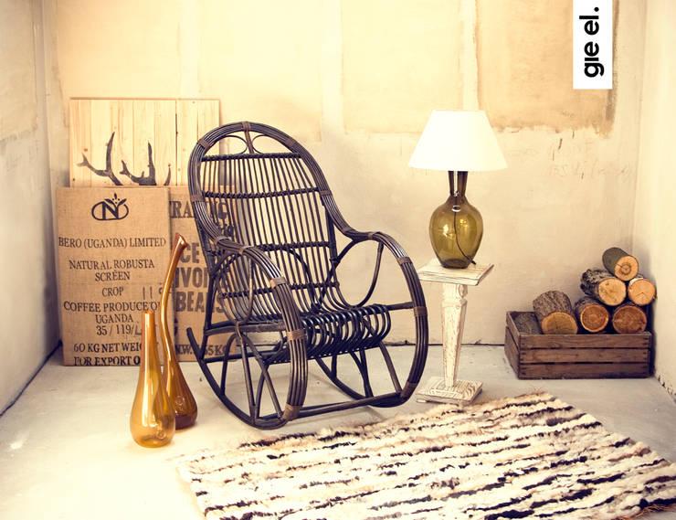 Hand-woven rugs: styl , w kategorii Salon zaprojektowany przez Gie El Home
