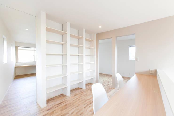 秦野浩司建築設計事務所의  주택