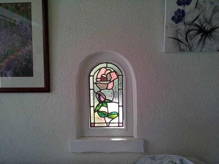 La rose: Maison de style  par Verre Curieux