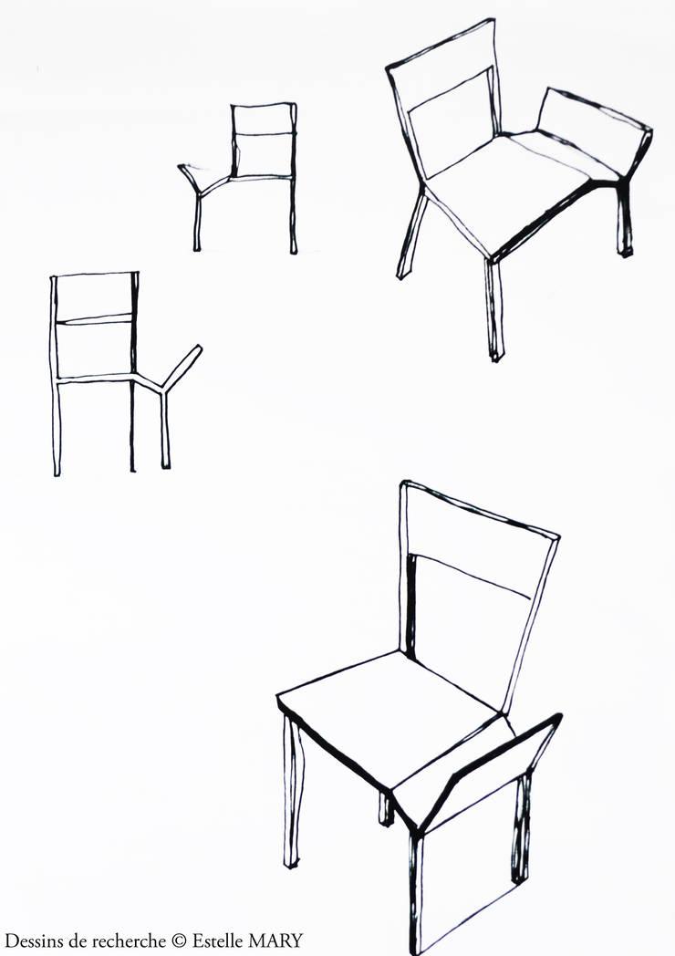 Chaise tripode: Salon de style  par Estelle Mary