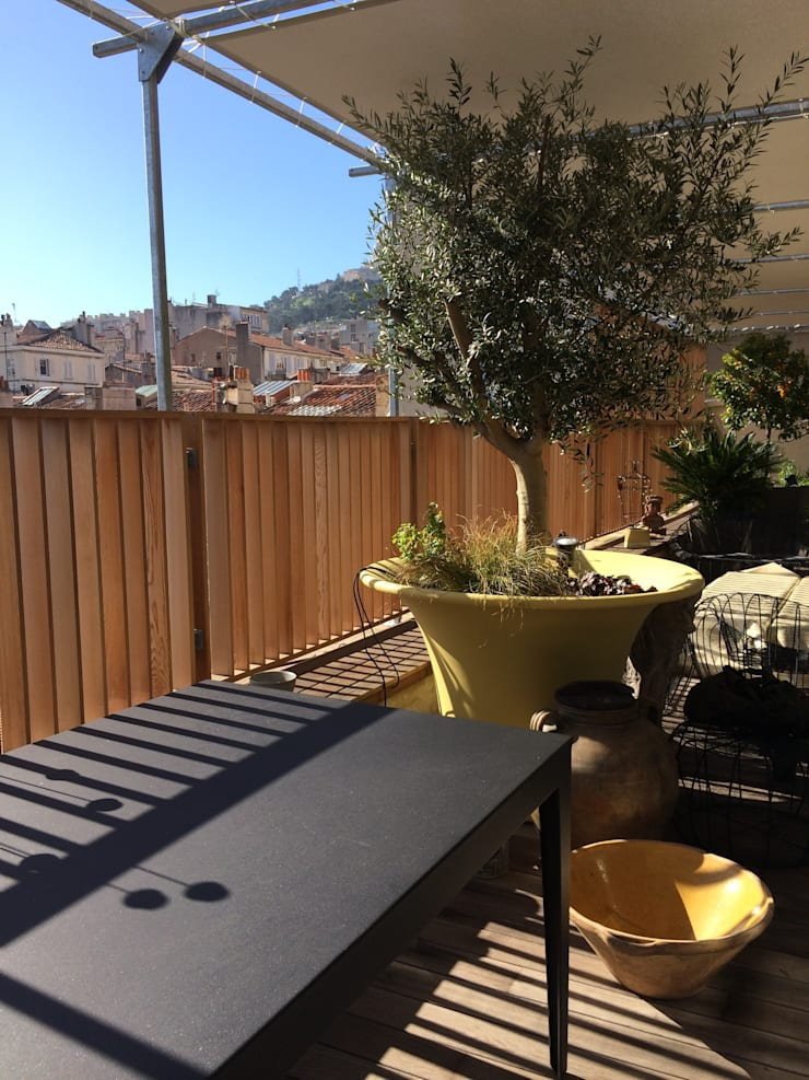 PLUM GARDEN 2 terrasses:  de style  par Plum Garden