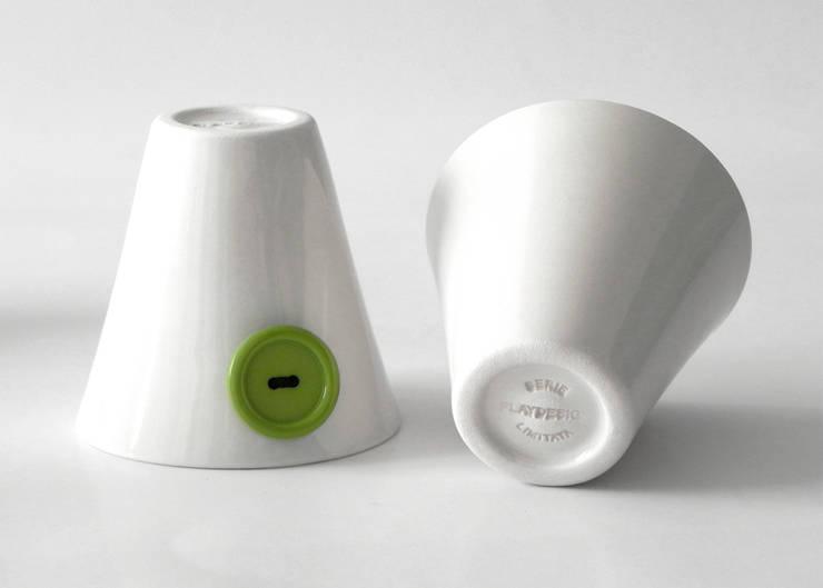 Attacca Bottone: Cucina in stile  di Playdesign