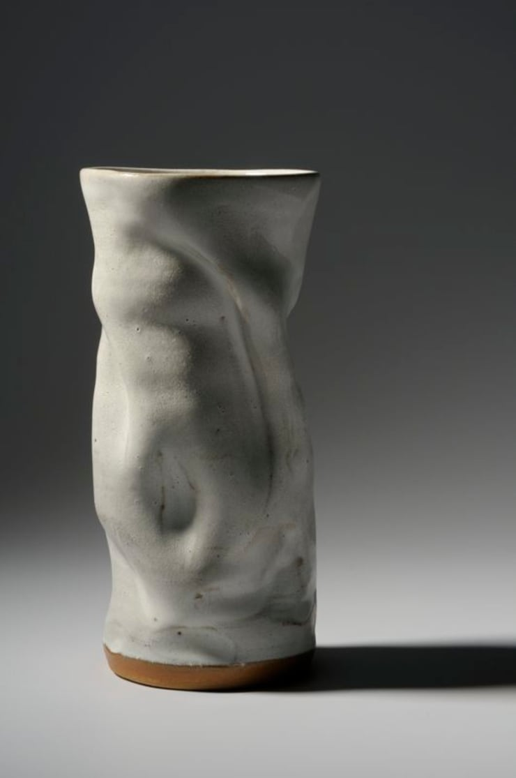 "Vase collection ""papier"": Salon de style  par Nine Céramique"
