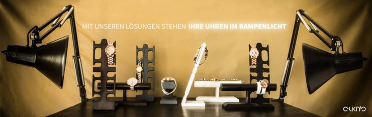 Uhrenständer und Uhrenhalter alkita:  Ankleidezimmer von Alkita GmbH