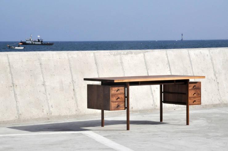 515 TABLE: SSOOZE 0.1의  서재/사무실