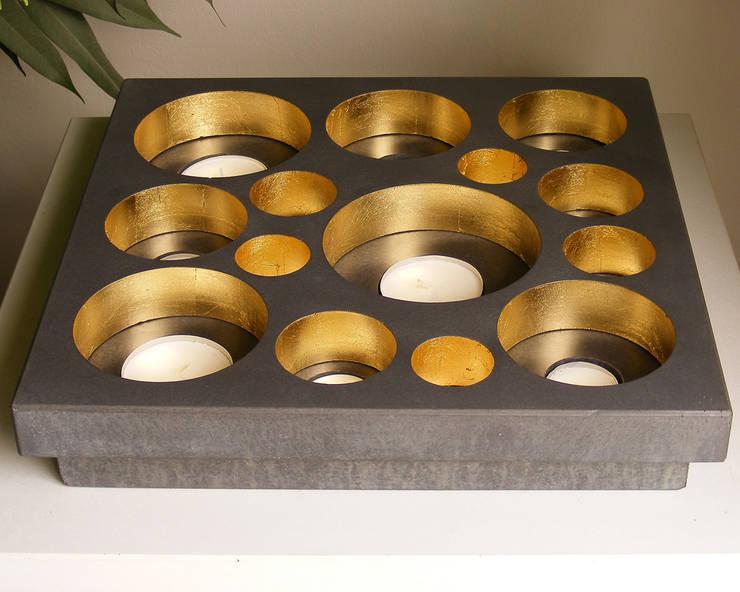 Teelichthalter  Lux Plus: moderne Wohnzimmer von oggi-beton