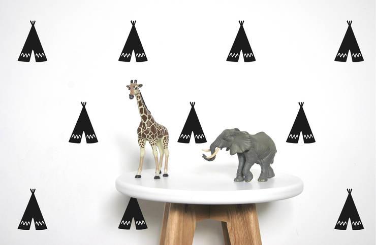 Stickers muraux tipis noir: Chambre d'enfants de style  par pöm