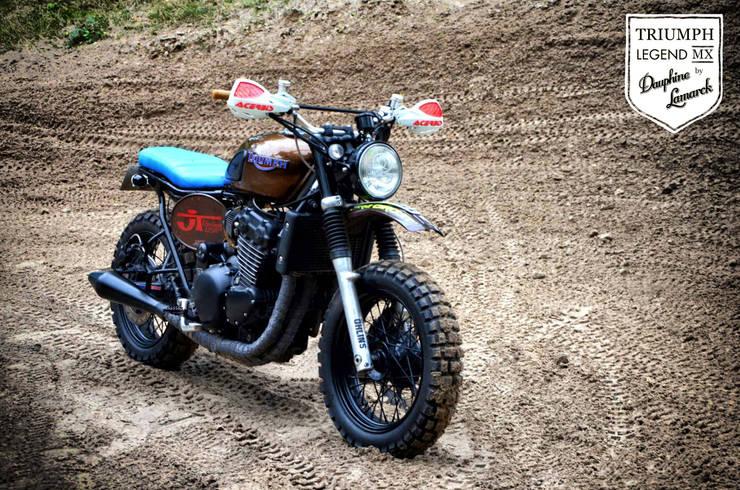 Triumph MX: Art de style  par Arnoe