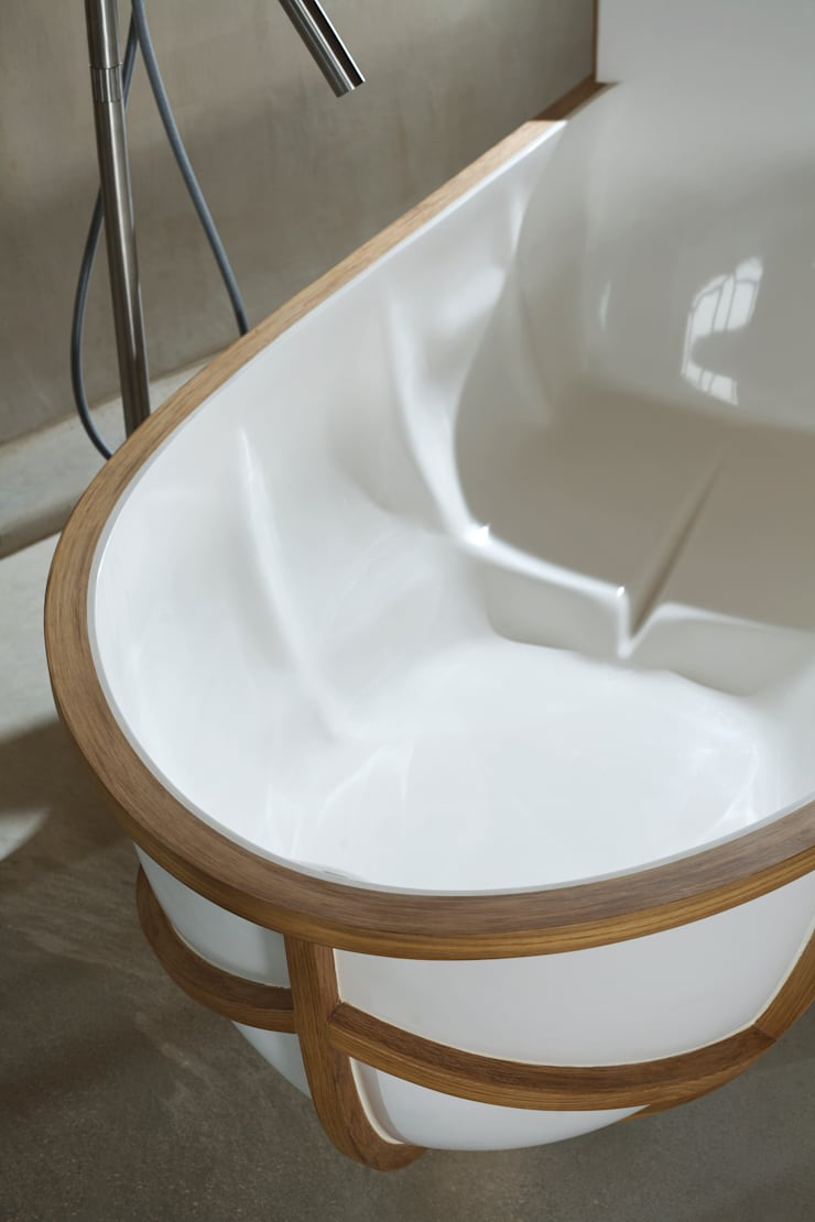 EVOLUTION BATHTUB: moderne Badkamer door House of Thol