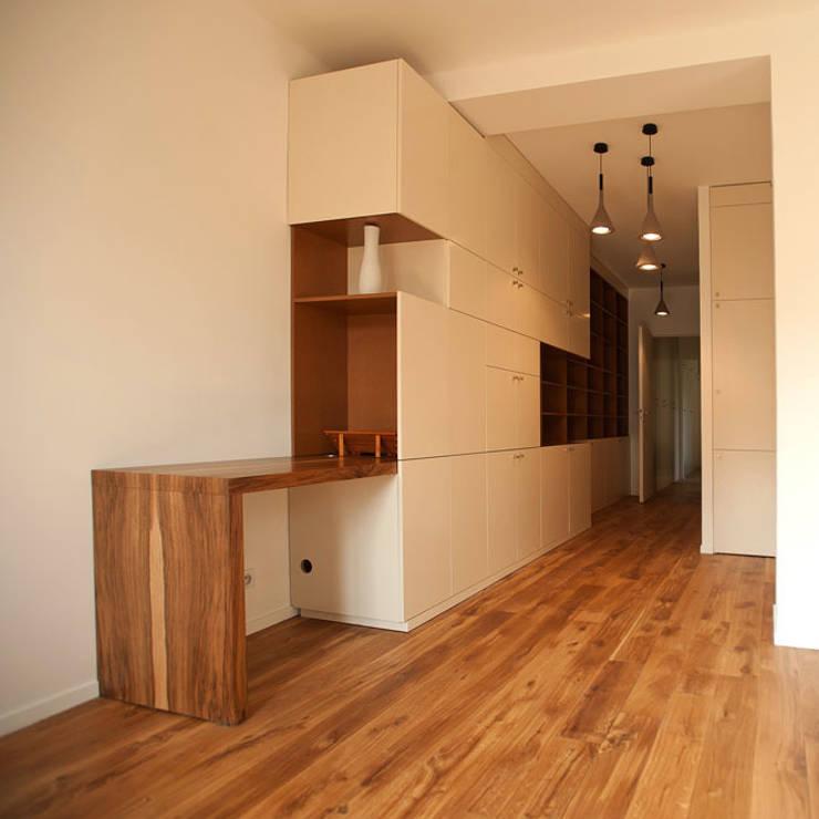 Appartement GAP: Maisons de style  par Cittadini des Déserts
