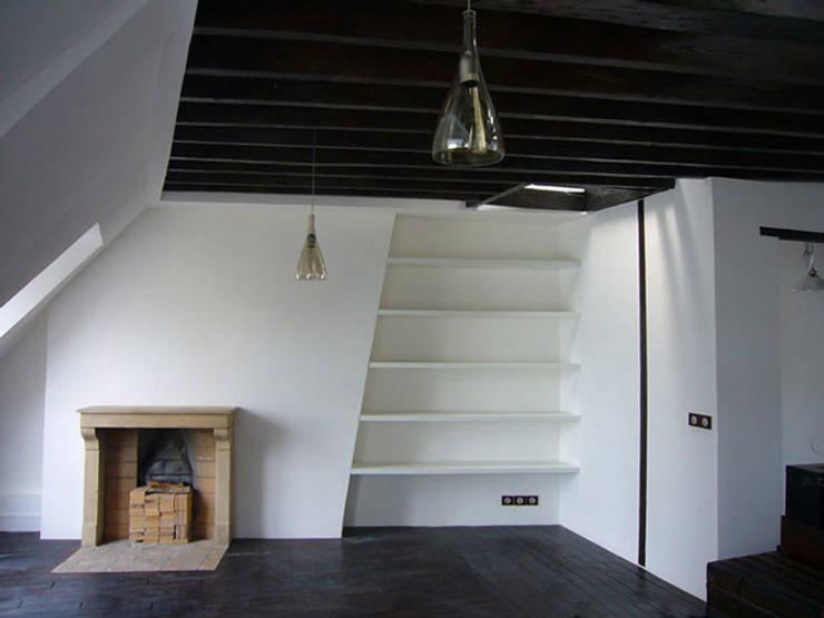 Appartement LT: Maisons de style  par Cittadini des Déserts