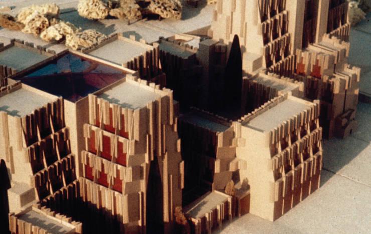 La Pétite Cathedrale:  de estilo  de Ricardo Bofill Taller de Arquitectura