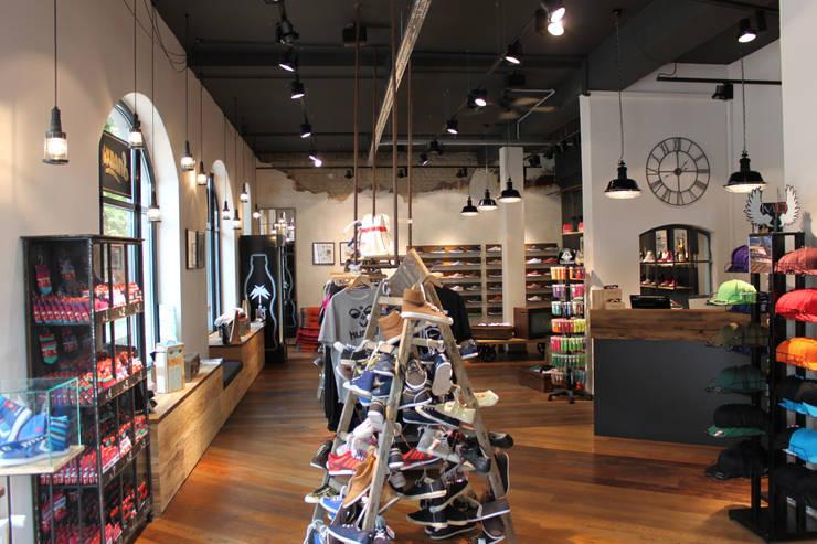 Sneaxs in Kiel:   von Cedes: GmbH Die Lichtfabrik,Ausgefallen