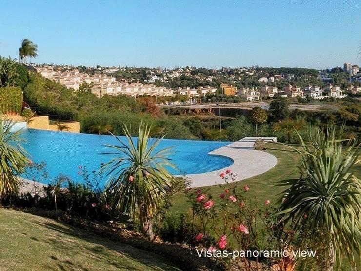 Palacio en Marbella:  de estilo  de Luxury Homes Andalusia