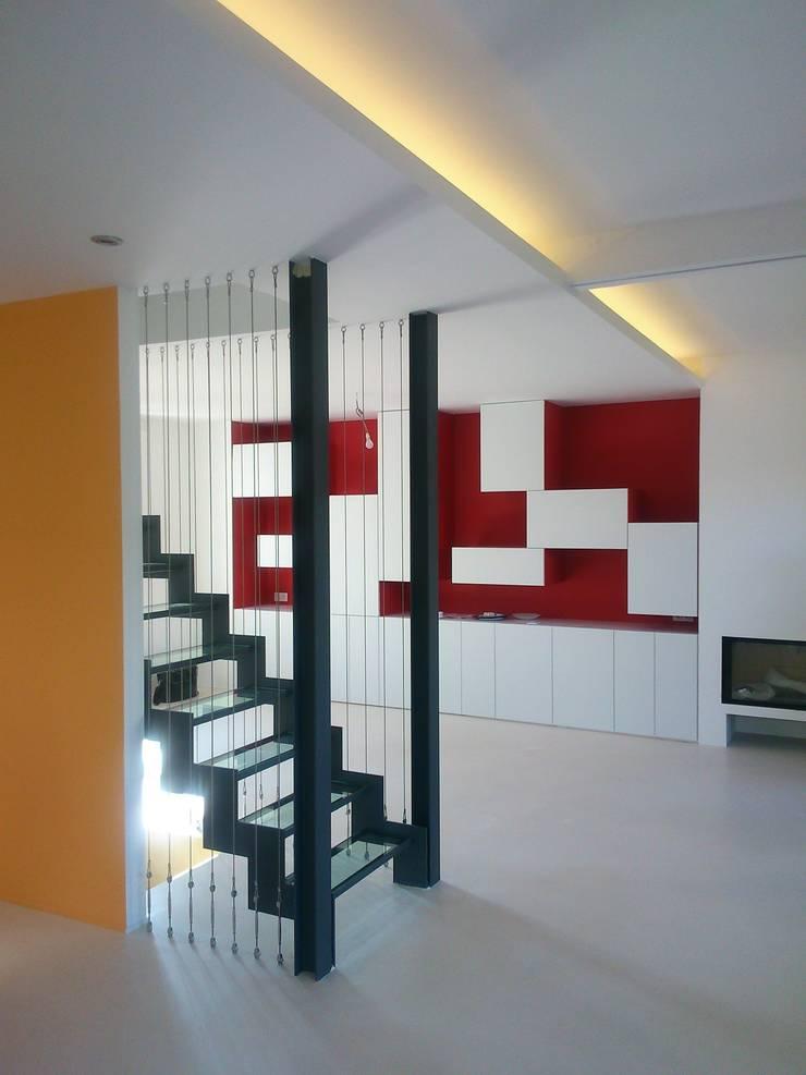 Rénovation d'un rez de maison à Courbevoie:  de style  par Julie Carlhian