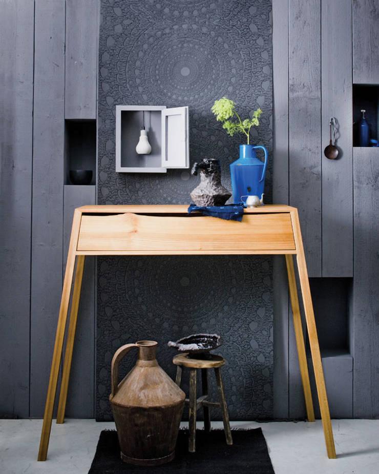 boomkast:  Woonkamer door designstudio lotte van laatum