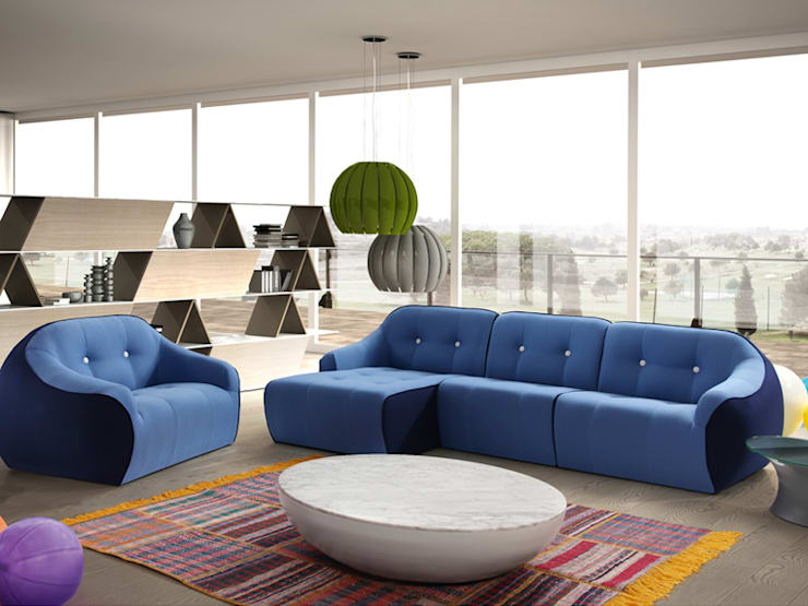 OVVO sofá: Salones de estilo  de BELTÁ & FRAJUMAR