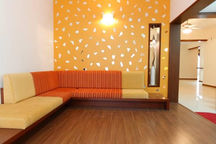 Apartment of Ashish Dalal :  Houses by Pandya & Co.